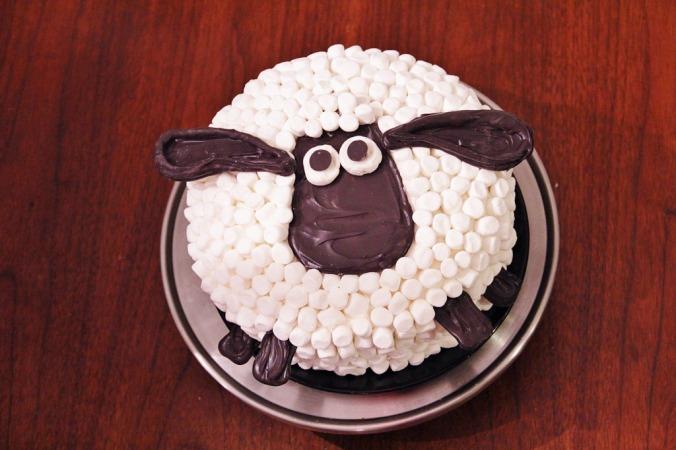 Smart Mama's Shaun the Sheep cake